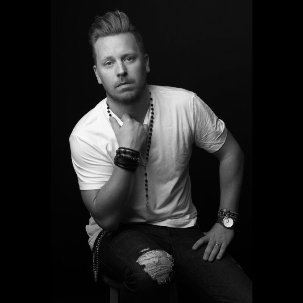 "Country music artist, Calle Ameln, Famous for his country rock n roll songs like ""Pardon My French"" and ""Salty Dog"", just released a cover of Bon Jovi's ""In These Arms"". Listen to Calle Ameln's version of the Bon Jovi classic, ""In These Arms"" here."